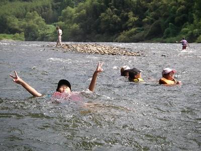 ライフジャケットだけでの川流れ体験